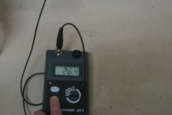 Beispielbild 3 Feuchtigkeitsmesssung bei Wassserschaden
